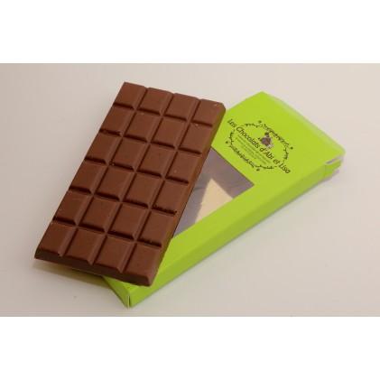Tablette de chocolat au lait et éclats de caramel