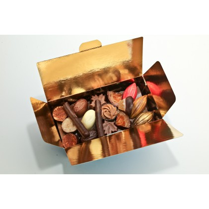 Ballotin de chocolats assortis, noir, lait ou blanc 375gr