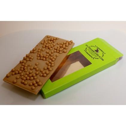Tablette de chocolat blanc et billes de riz soufflé
